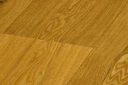 Eiche Landhausdiele Rustikal / Click Parkett, gefast, gebürstet, natur geölt, 15 x 189 x 1860 mm (2,812 m² / Paket)